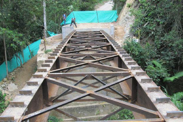 puente vehicular metalico